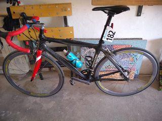 se vende bicicleta de carretera talla 51 de carbon