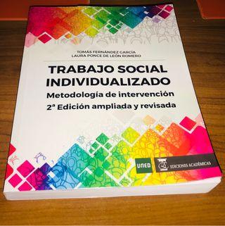 Trabajo social individualizado UNED