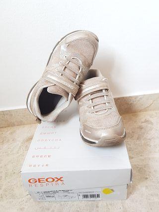 Zapatillas doradas Geox talla 32
