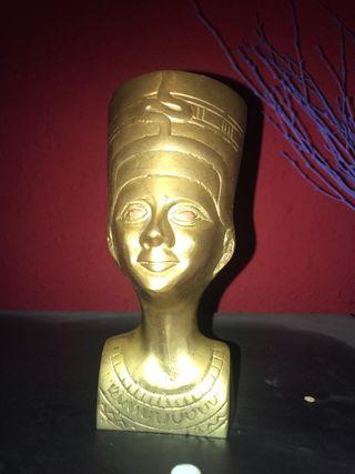 Nefertiti de bronce