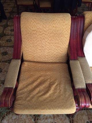 Sofa madera grabada y sillones