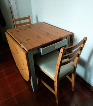 Mesa IKEA abatible (GAMLEBY) + 2 SILLAS (LERHAMN)