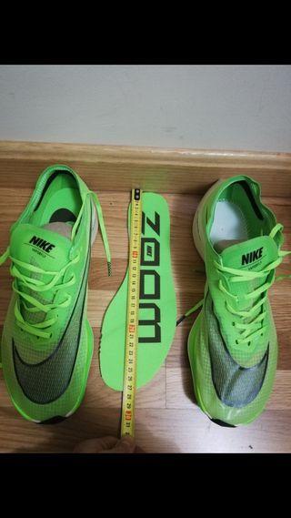 Nike zoom vaporfly next %