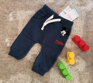 Pantalon bebe 3m por estrenar