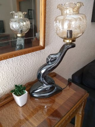 lámpara vintage escultura mujer