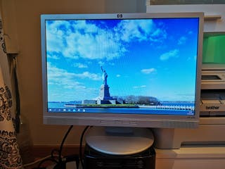 Monitor Hp W19B