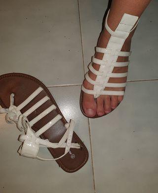 Sandalias blancas estilo romana talla 39 sin uso
