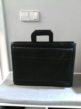 portadocumentos. maletin