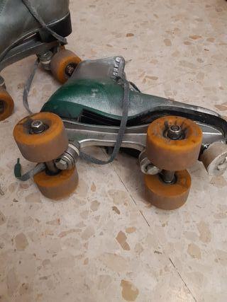 Patines de 4 ruedas del 39