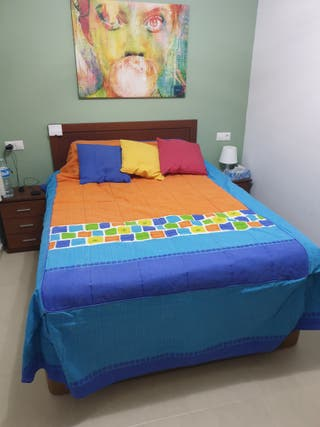 Colcha con almohadones (cama de 135)