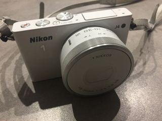 Nikon 1 / J4