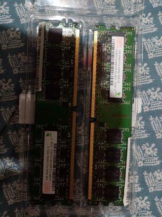 2 Memorias Ram de 1gb cada una...