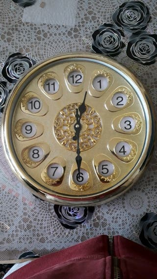 PRICE NEGOTIABLE Gold Clock