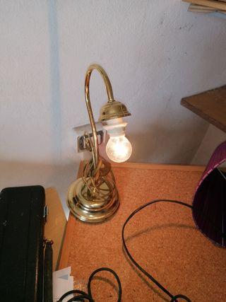 lámpara de mesa laton vintage
