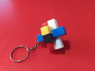llavero juego tipo cubo de Rubik
