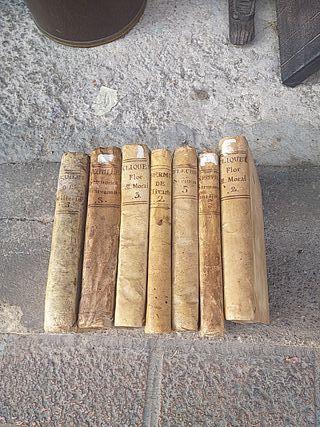 7 libros de pergamino