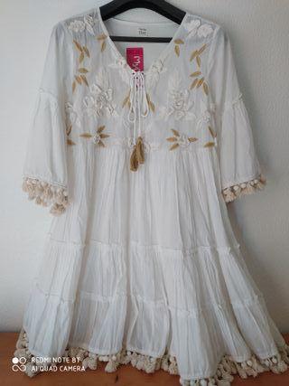 Vestido Blanco Ibicenco Flores Bordadas. T. Única.