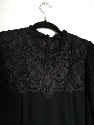 Vestido negro elegante de Zara. Nuevo,etiqueta. XL