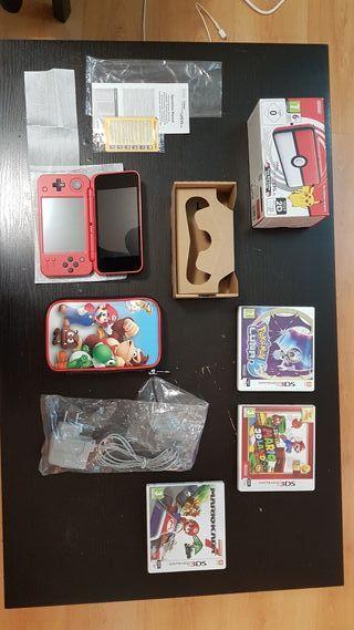 New Nintendo 2 DS XL Poké Ball Edition como NUEVA