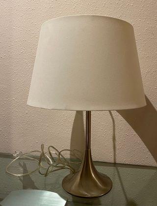 Lámpara de mesa con encendido táctil