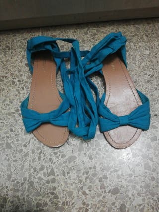 Sandalia azul turquesa
