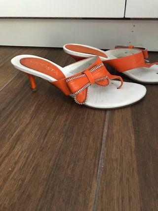 Sandalias VICOSTA naranja y blanco