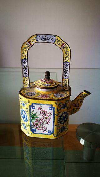 Tetera china de Cloisonne. Vintage. Mide 14x11 CM