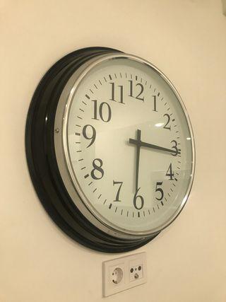 Reloj BRAVUR de IKEA (a estrenar)