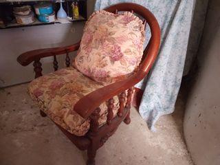 sillón madera maciza