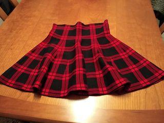 Falda corta de punto T/S,queda ajustada en cintura