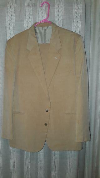 Traje chaqueta hombre verano