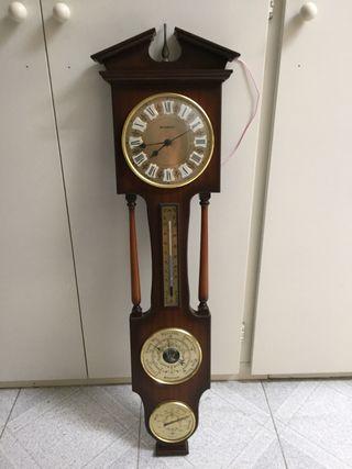 Reloj, barómetro, higrómetro, termómetro