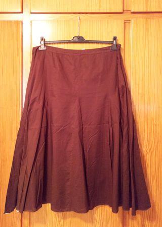 Falda marrón de vuelo talla 50 con vuelo