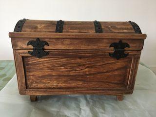 Cofre/baul antiguo madera