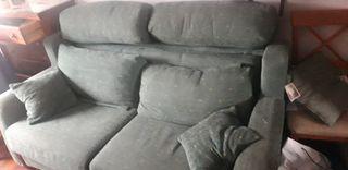 sofá cama casi nuevo 2m de lado a lado