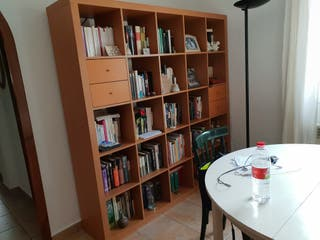 libreria estanteria con 4 cajones marca ikea