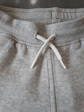 pantalón chandal. ropa de niña