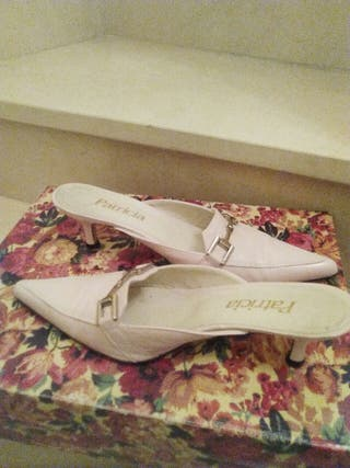 zapatos marca de lujo Patricia. rosa palo