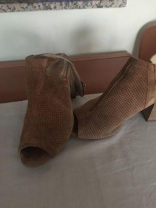 Zapatos seminuevos