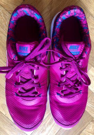 Zapatillas Nike rosa fucsia
