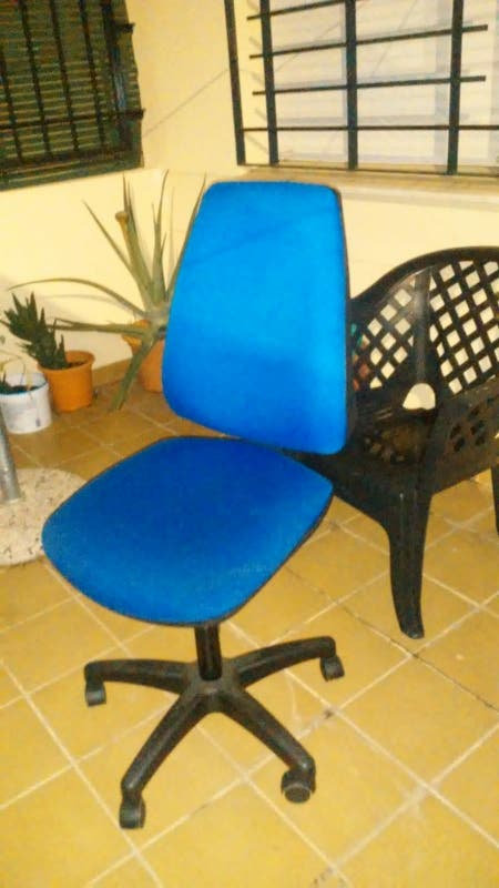 silla de oficina (Las Lagunas de Mijas, Málaga)