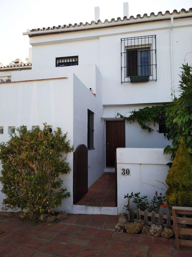 Hermosa y luminosa casa adosada (Atalaya Isdabe, Málaga)
