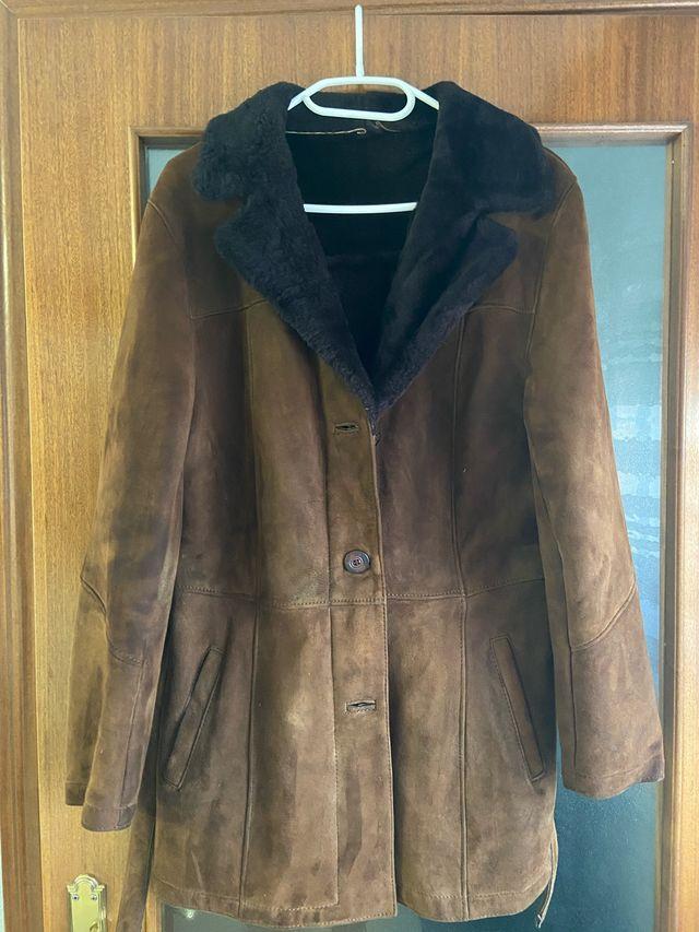 Abrigo piel vuelta marrón
