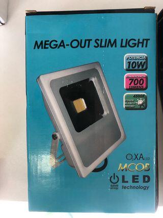 Proyector led 10w nuevo en su caja