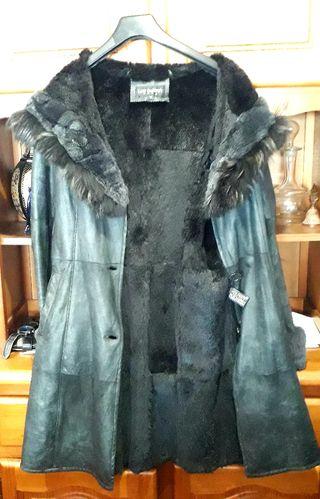 Abrigo piel ovina y chinchilla.