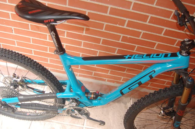 BICICLETA DOBLE SUSPENSION GT CARBONO