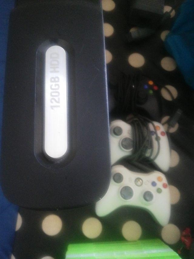 Xbox 360+ volant original (prix négociable)