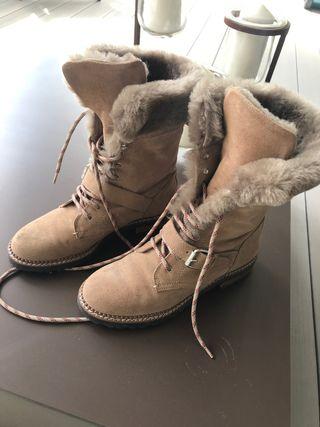 Botas de piel estilo militar de Massimo Dutti