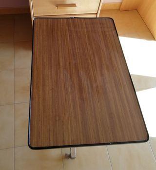 mesa auxiliar para cama