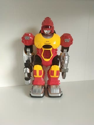 Robot de juguete de segunda mano por 5 </p>                 <!--bof Quantity Discounts table -->                                 <!--eof Quantity Discounts table -->                                 <!--bof Product URL -->                                 <!--eof Product URL -->             </div>             <div id=